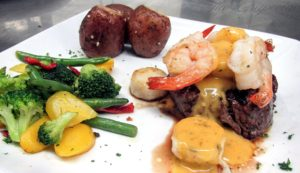 Filet with Shrimp and Scallops topped with Bearnaise Sauce